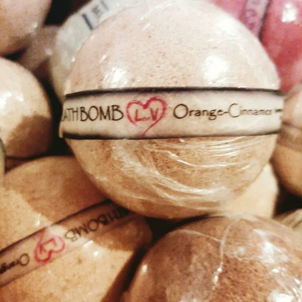bath bombs len.v beauty 4